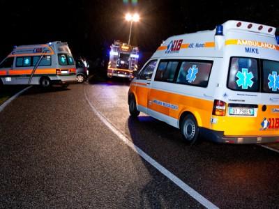 Forze dell'ordine sul luogo di un incidente (foto S. Novellu - Cronache Nuoresi)