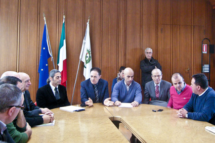 I Sindaci in riunione (foto S. Meloni - Cronache Nuoresi)
