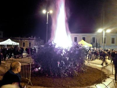 Nuoro, fuoco di Sant'Antonio (foto L.Basolu)