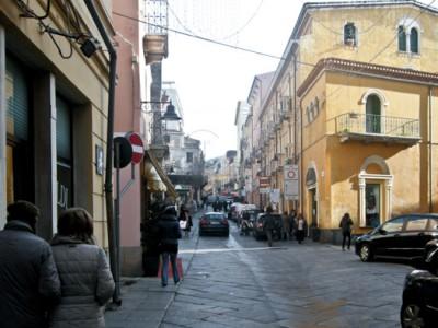 Nuoro, la ZTL al Corso Garibaldi (foto S.Meloni - Cronache Nuoresi)