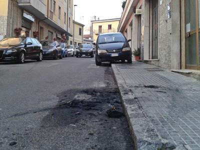 Nuoro, via Mereu, il luogo dell'attentato (foto S. Novellu - Cronache Nuoresi)