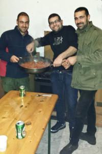 Umberto Nieddu con gli amici, la sera prima dell'omicidio (dal suo profilo Facebook)
