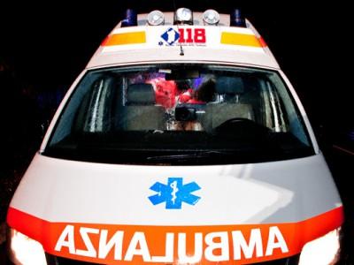 Un'ambulanza del 118 (foto S. Novellu - Cronache Nuoresi)