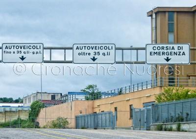L'ingresso alla Motorizzazione Civile di Nuoro (© foto S.Novellu)