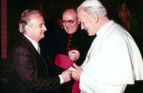 Nedo Pirisino con Giovanni-Paolo II