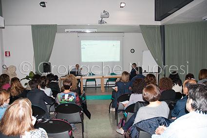 Un momento della conferenza (foto Cronache Nuoresi)
