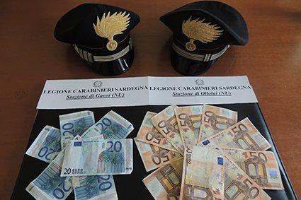 Una parte delle banconote sequestrate