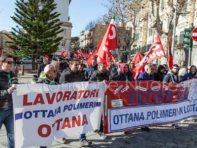 I lavoratori di Ottana Polimeri durante lo Sciopero Generale (© foto S.Novellu)