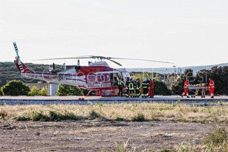 L'arrivo a Nuoro dell'elicottero con l'escursionista ferita (© foto S.Novellu)