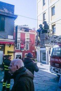Un momento dell'intervento dei Vigili del fuoco (© foto Cronache Nuoresi)