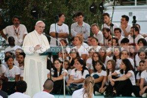 Cagliari, Papa Francesco parla ai giovani (foto S. Novellu - Cronache Nuoresi)