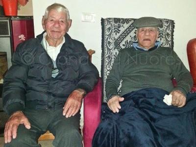 Tziu G. Maria Brilla e Tziu Peppe Murgia centenari di Oniferi