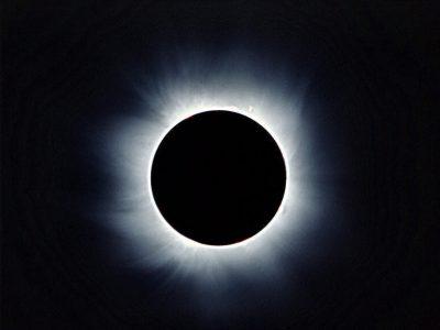 Un'eclissi di sole