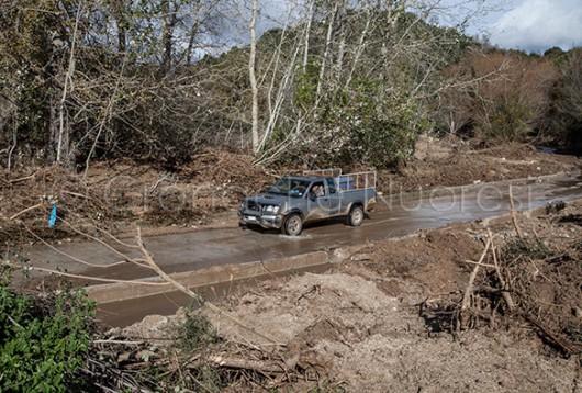 Una strada devastata dalla forza delle acque a Onanì (© foto S.Novellu)