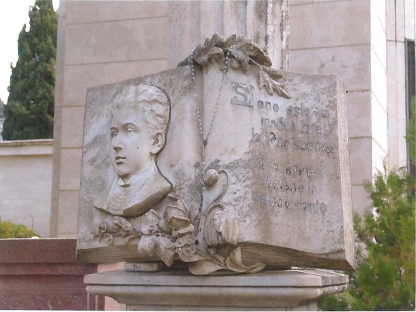 La lapide di Salvatore Satta al Cimitero di Nuoro