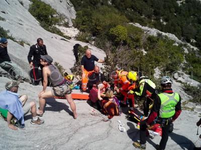 L'intervento di salvataggio dei Vigili del fuoco (Foto Vigili del fuoco)