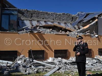 Magomadas, Carabinieri sul luogo del crollo