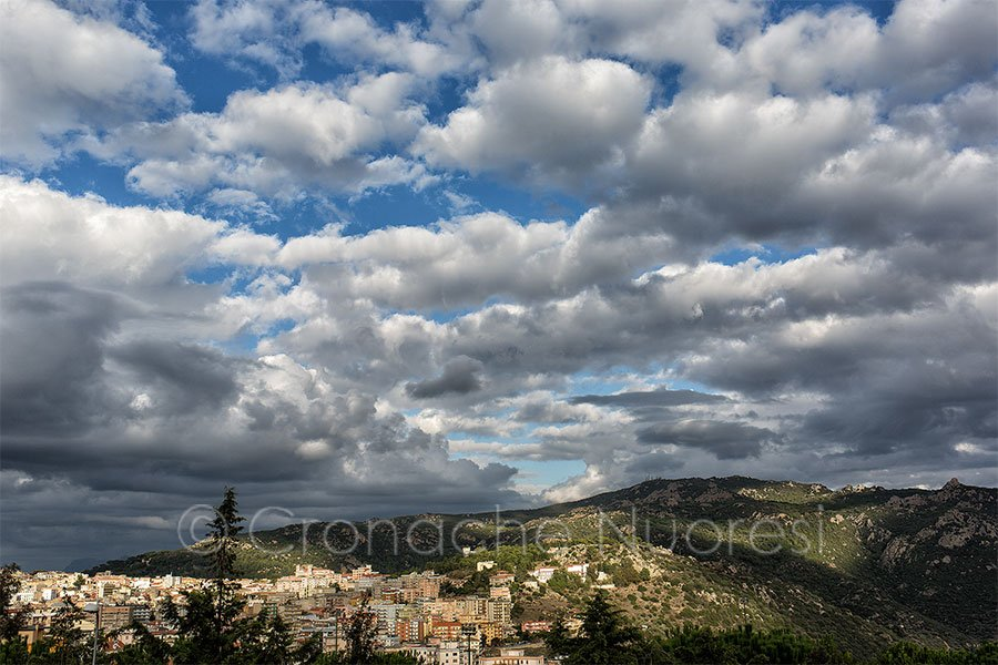 Nuoro, una panoramica della città (foto S.Novellu)