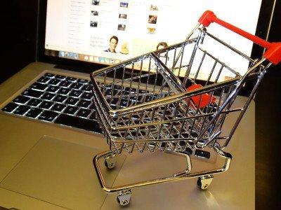 web, acquisti on line, truffa informatica