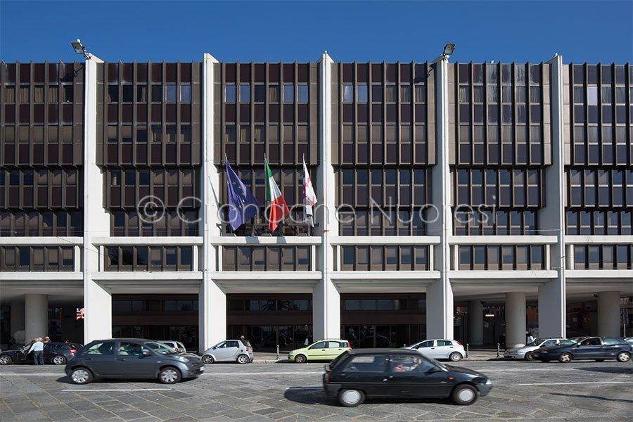 Sardegna: 31 mila occupati in più e diminuisce il debito ...