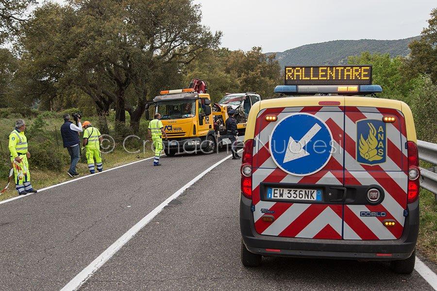 I mezzi di soccorso sul luogo dell'incidente (foto S.Novellu)