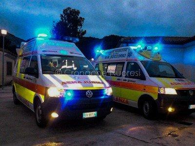 Le ambulanze del 118 (foto Cronache Nuoresi)