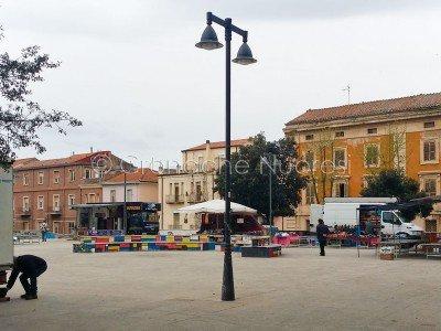 Il mercatino del Venerdì ai Giardini di p.zza V.Emanuele (foto S.Novellu)