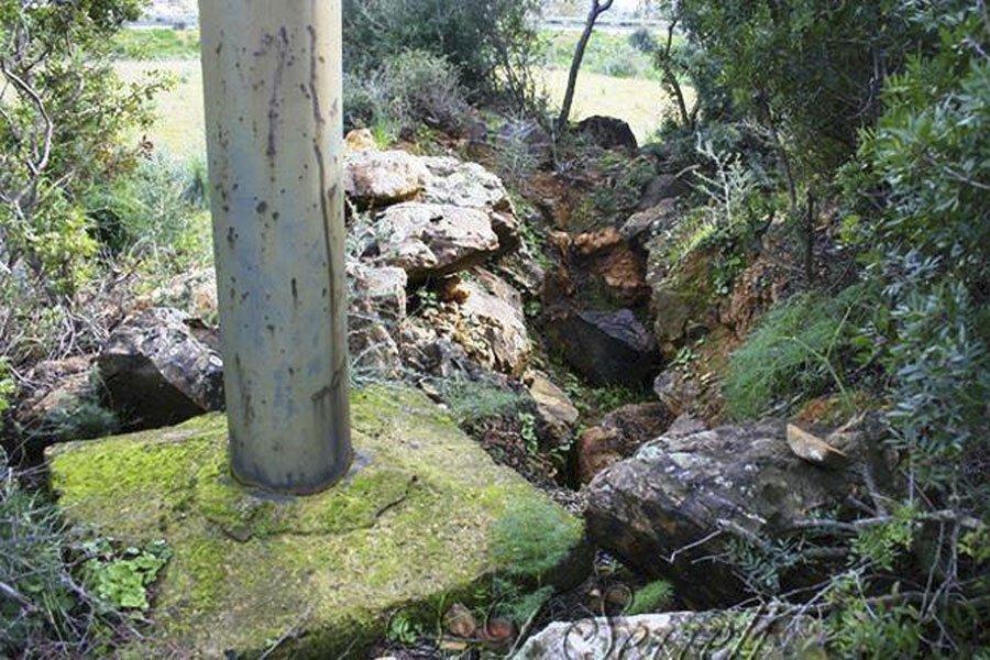 Palo della luce conficcato in una Tomba dei Giganti: interrogazione in Regione