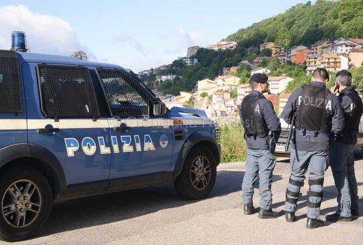 Desulo, posto di blocco della Polizia