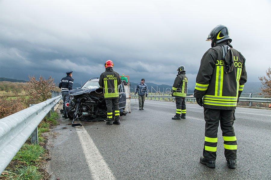 La scena di un incidente sulla 389 (foto S.Novellu)