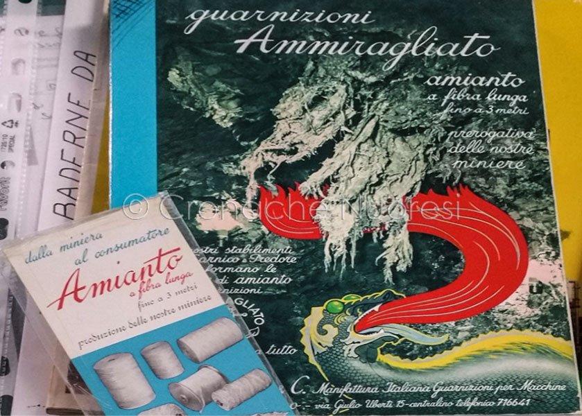 Opuscoli illustrativi della produzione di amianto degli anni '70 (foto Cronache Nuoresi)