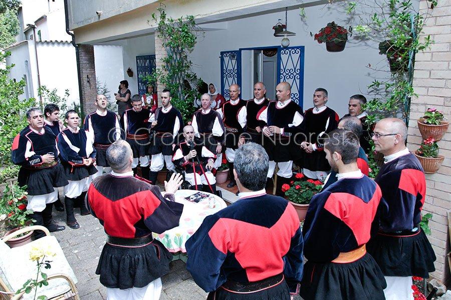 """Fondata nel 1976 da Bobore Nuvoli, l'Associazione Culturale Folkloristica """"Canarjos"""" festeggia oggi i suoi primi 40 anni"""