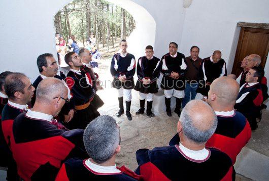 Il Coro Canarjos si esibisce al Monte Ortobene (foto S.Novellu)
