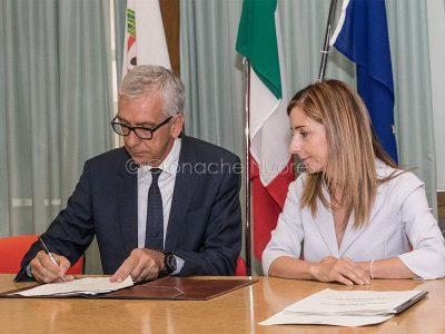 Nuoro, F. Pigliaru e A. Pistis firmano il Piano di Rilancio del Nuorese (foto S.Novellu)