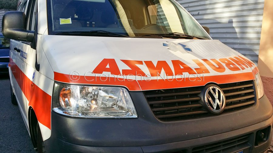Un'ambulanza del 118 (foto S.Novellu)