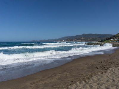 La spiaggia di Turas e sullo sfondo Bosa Marina (foto S.Novellu)