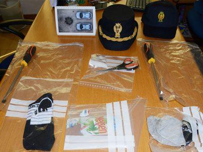Il materiale sequestrato dalla Polizia a Nuoro
