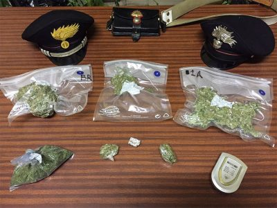 Una parte della droga sequestrata