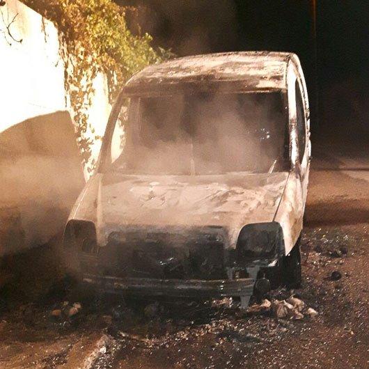 La Fiat Doblò rubata data alle fiamme a Sarule