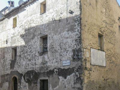 Il Palazzo Martoni, vecchia sede del Comune di Nuoro, in cui avvennero i Moti