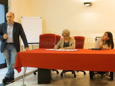 Un momento dell'incontro con l'assessore Firino sulla stampa on line (foto S.Novellu)