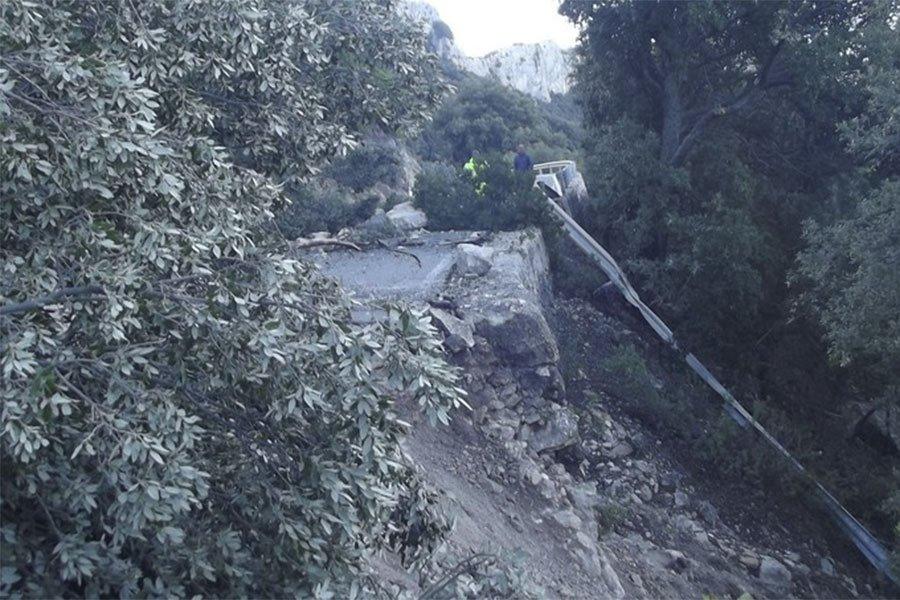 I danni della frana sull'Orientale Sarda