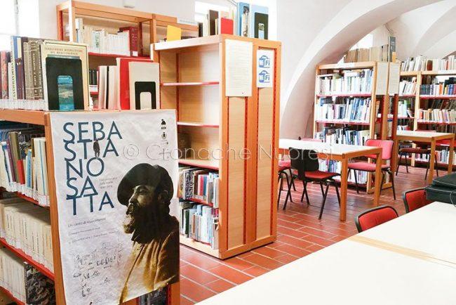 L'interno della Biblioteca Satta (foto S.Novellu)