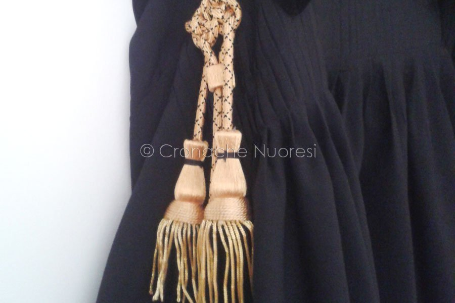 La toga di un giudice (foto Cronache Nuoresi)