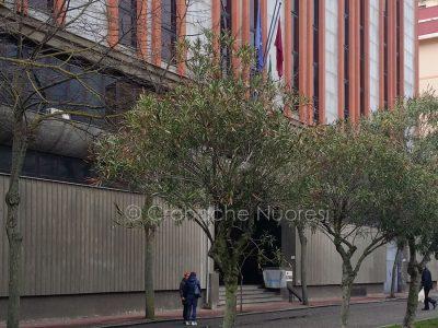 L'ingresso alla Questura di Nuoro (foto Cronache Nuoresi)