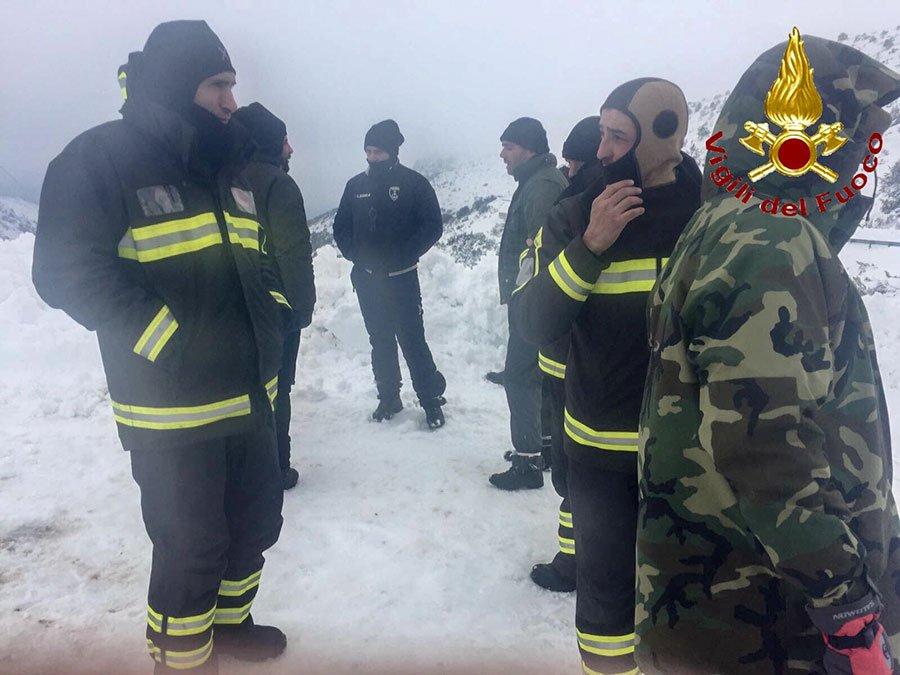 Le squadre dei Vigili del fuoco dopo il recupero dei dispersi a Talana