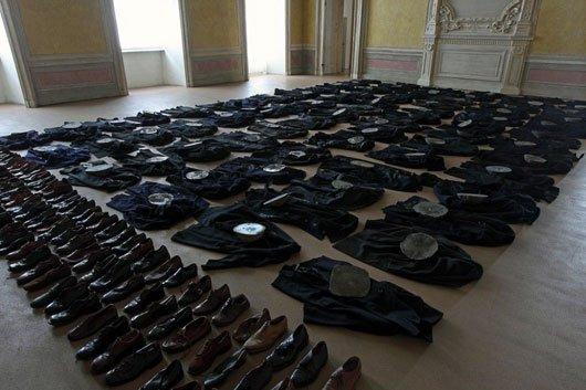 Installazione di Kunellis al Catello di Rivoli - Torino