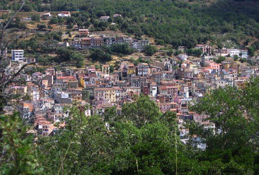 Una panoramica dell'abitato di Seui