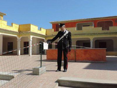 Sigilli dei Carabinieri al complesso residenziale di Tanuanella