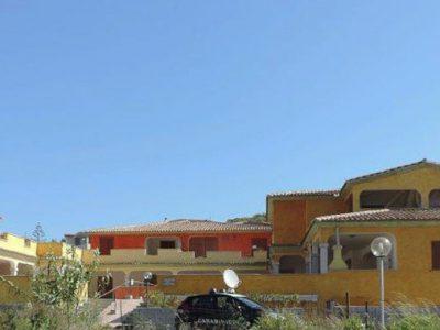 Sigilli dei Carabinieri al complesso residenziale di Tanaunella